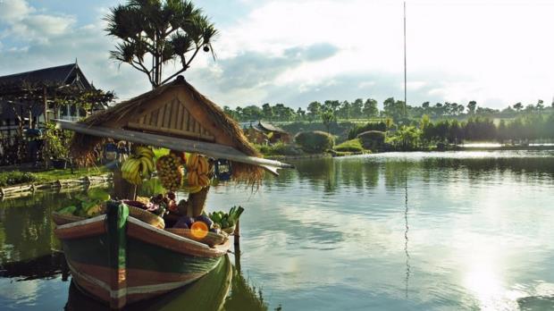 Gambar Floating Market Lembang