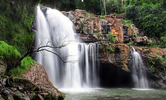 Gambar Air Terjun Pulau Batanta