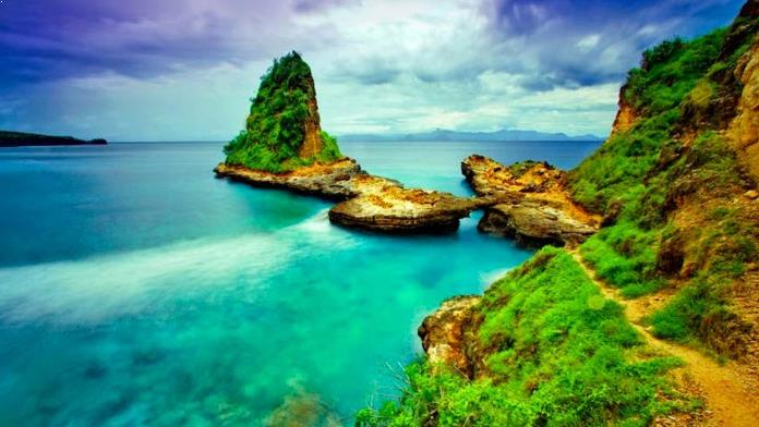 Gambar Pantai Tanjung Bloam