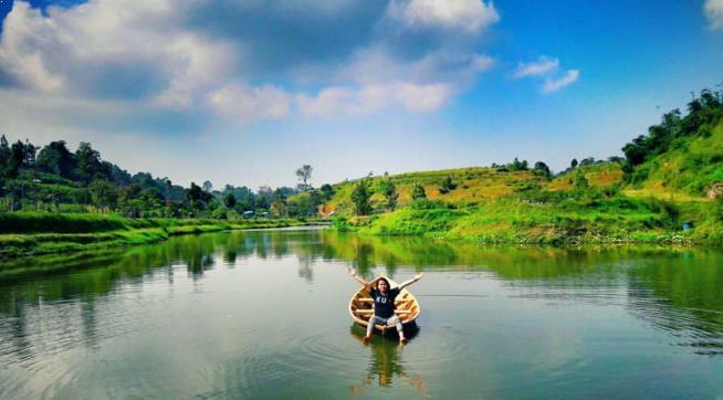 Foto Taman Lembah Dewata