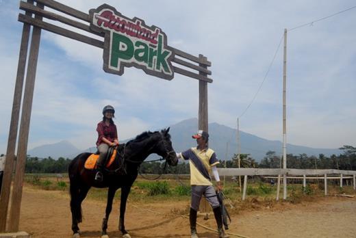Gambar Tempat Wisata Arrowhead Park di Salatiga