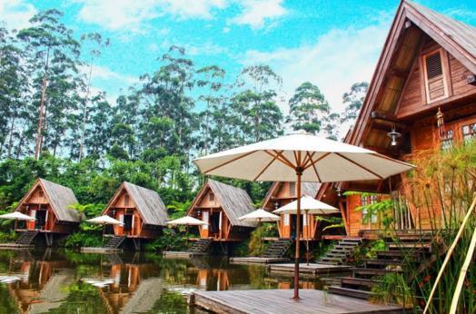 Gambar The Lodge Maribaya