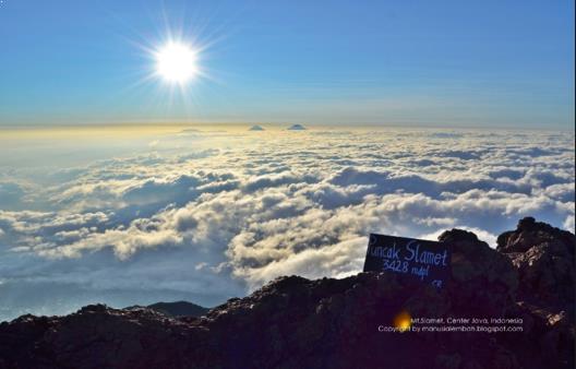 Gambar puncak gunung slamet