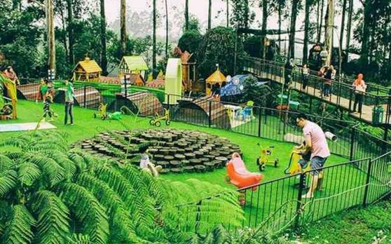 Harga Tiket Masuk Dusun Bambu Lembang