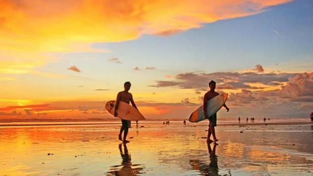 Sore Hari di Pantai Kute Bali