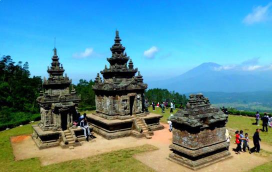 Wisata Candi Godong Songo