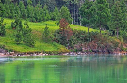 Gambar Danau Linow