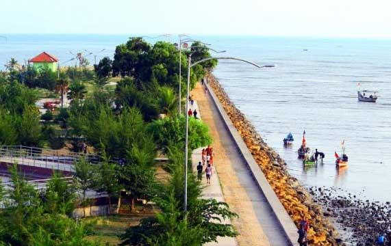 Gambar Pantai Boom, Tuban