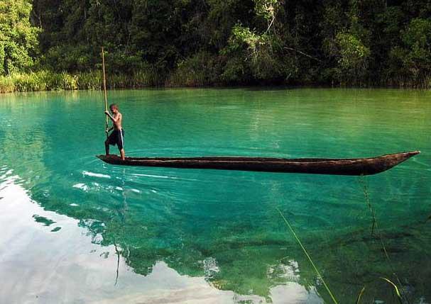 Gambar Wisata Danau Ayamaru