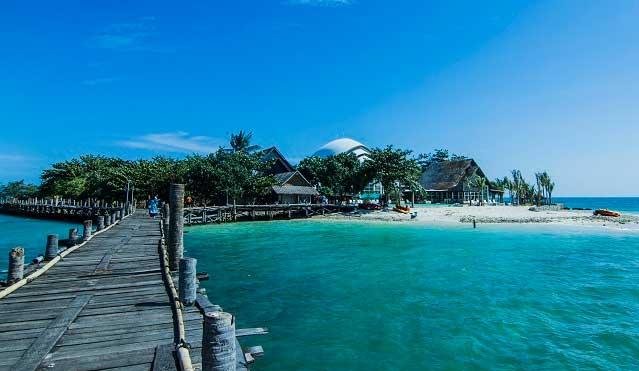 Gambar Wisata Pulau Um