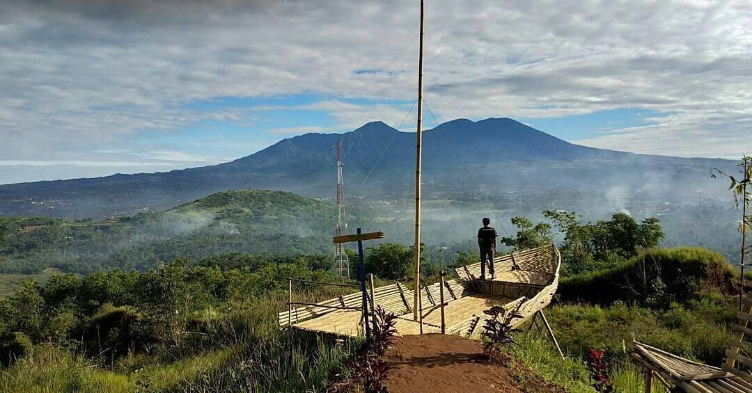 Gunung Kayu Damar Sukabumi