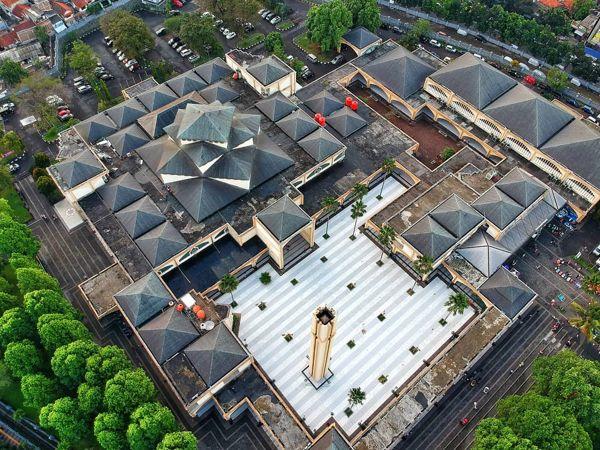 Masjid Pusdai Bandung