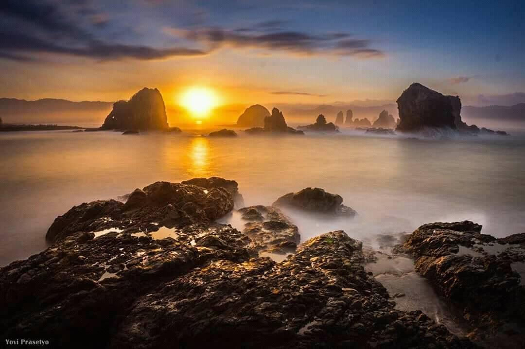 Pantai Teluk Love