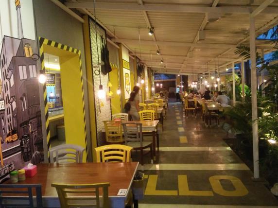 Cafe unik kafe rute 15 tangerang