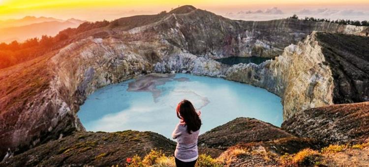 Gambar Gunung Kalimutu Flores