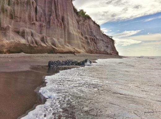 Gambar Pantai Tebing Lombok
