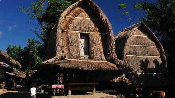 Gambar Rumah Adat Budaya Dusun Sade Lombok