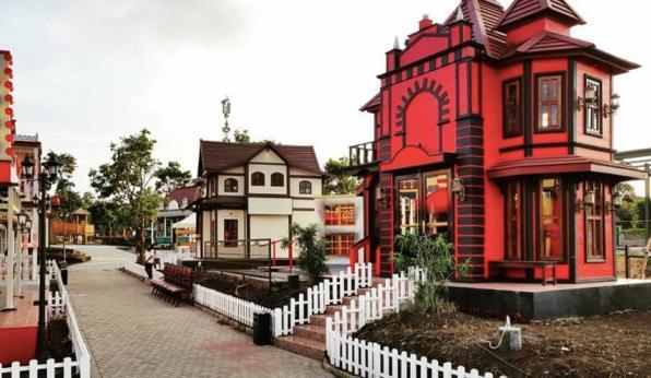 Harga Tiket Masuk Floating Market Bandung
