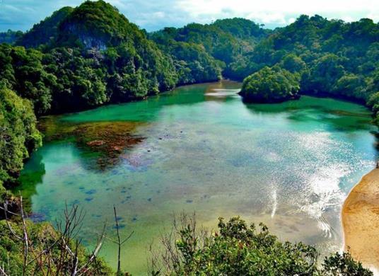 Pantai Sendang Biru dan Pulau Sempu