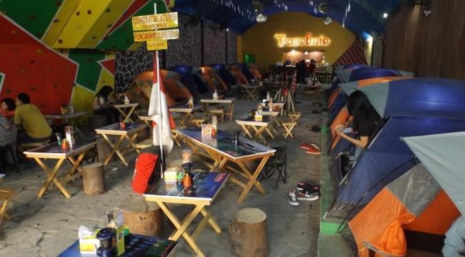 Sensai makan seru di Travel Mie Tangerang