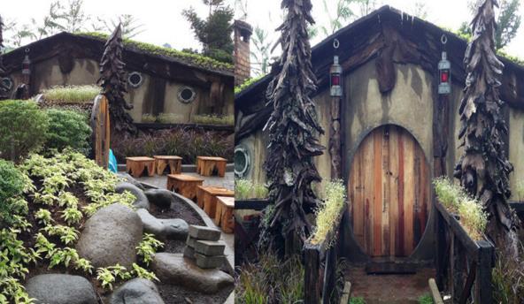 Wisata Bandung Rumah Hobbit