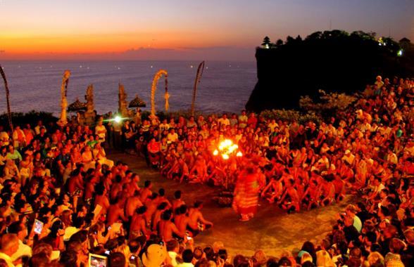 Wisata Seni Tari Kecak Bali
