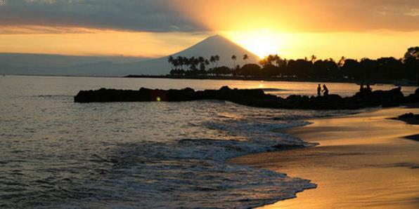gambar pantai senggigi lombok