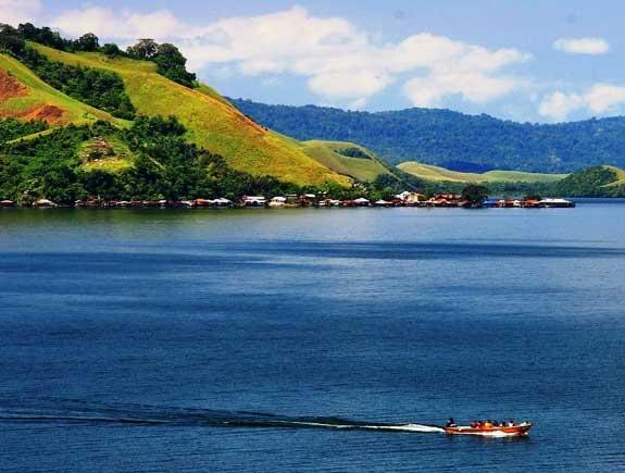Gambar Danau Sentani
