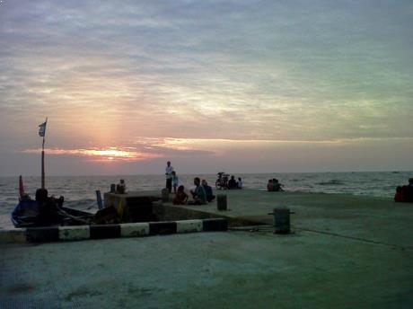 Gambar Pantai Banyutowo