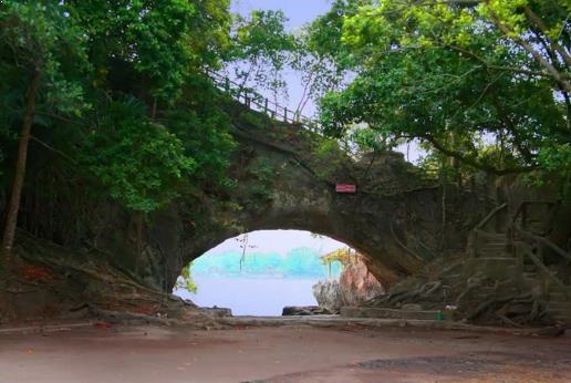 Gambar Pantai Karang Bolong, Anyer