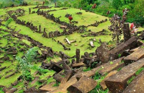 Gambar-Situs-Gunung-Padang