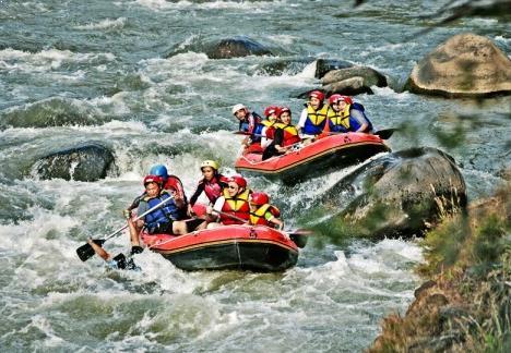 Gambar Wisata Arum Jeram Sungai Serayu