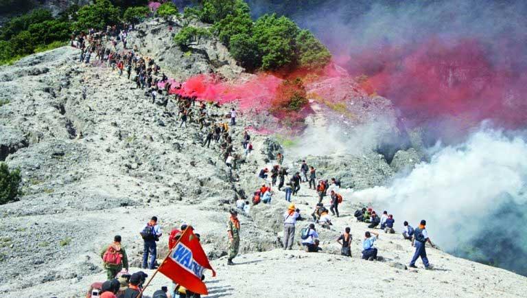 Gambar Kawah Upas Gunung Tangkuban Perahu