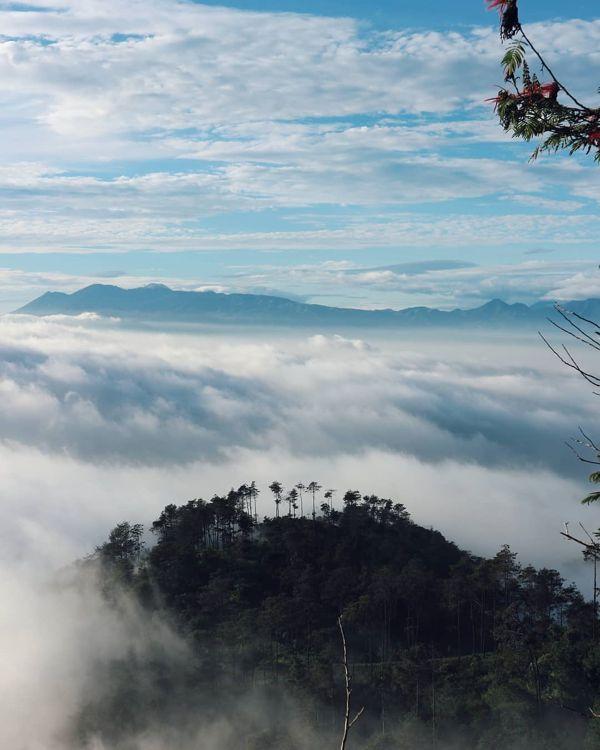 Gambar Gunung Manglayang