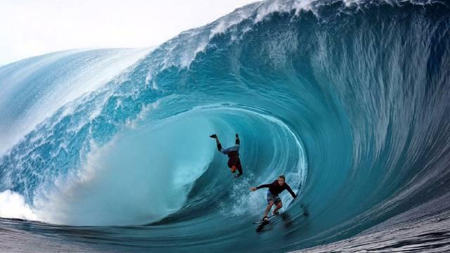 ombak laut terganas di indonesia