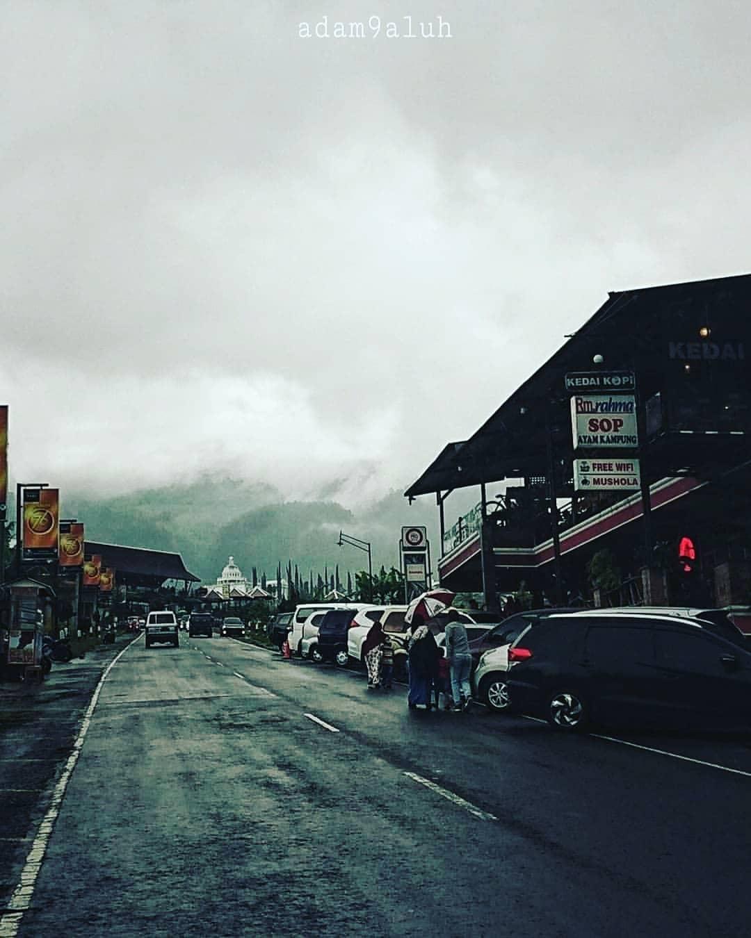 gunung lawu kebakaran hari ini