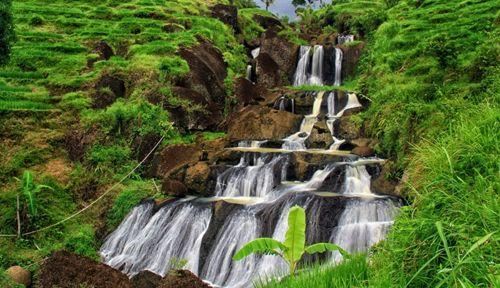 Air Terjun Bertingkat Tersembunyi Kedung Kandang