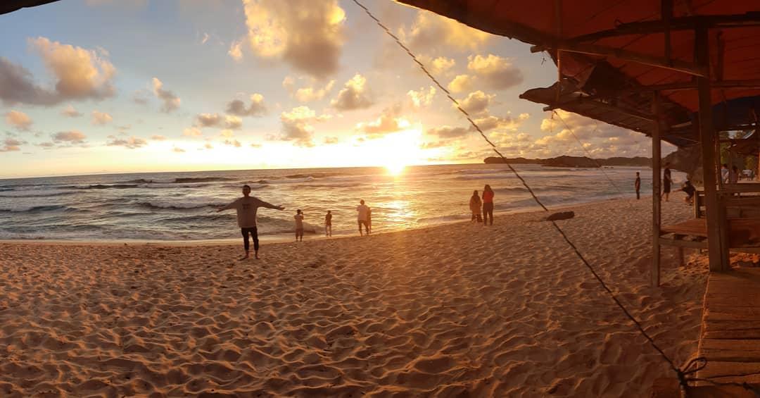 Sunset Pantai Indrayanti