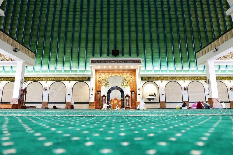 alamat masjid agung