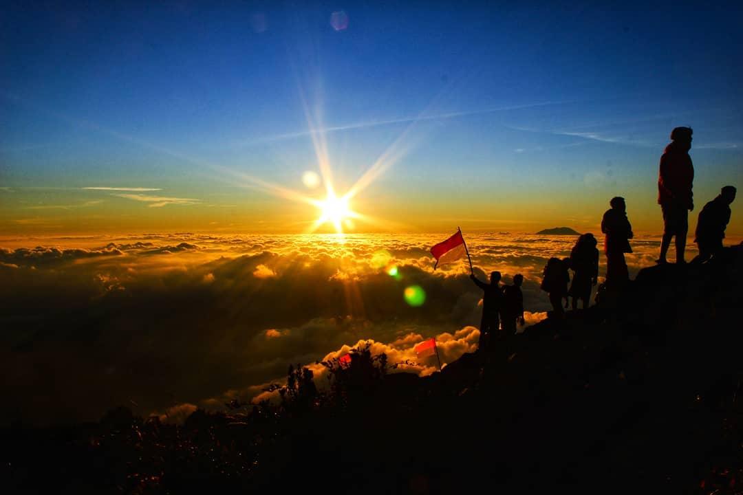 Tips Mendaki Gunung Merapi