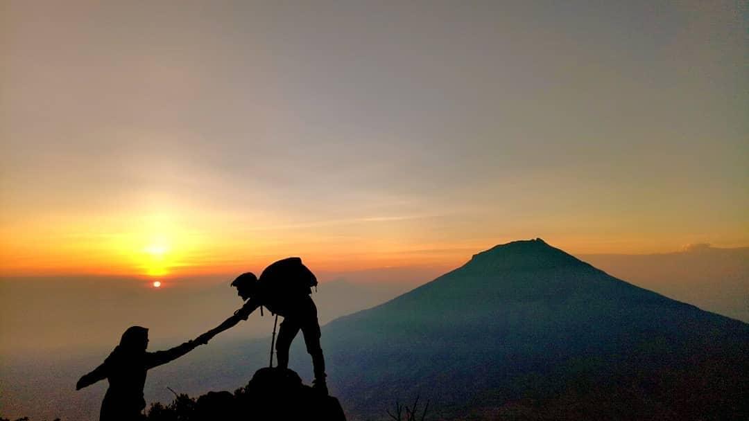 status gunung sindoro 2019