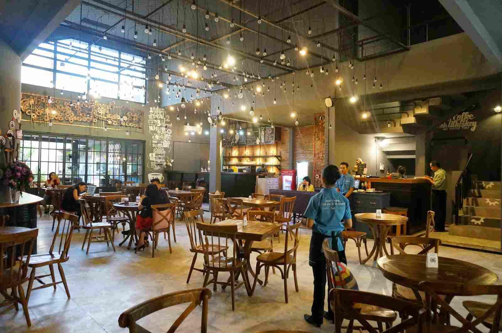 Caloria Cafe Surabaya