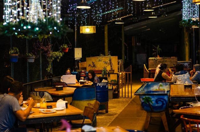 Champion Cafe Medan