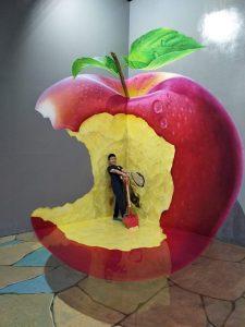 wahana di amazing art world bandung